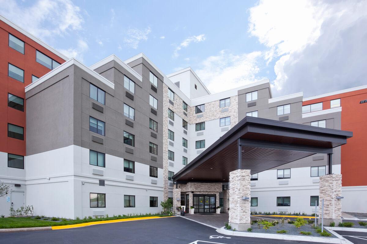 Holiday Inn Express Roseville  Roseville Hotels  Visit Roseville  Minneapolis St Paul Hotels