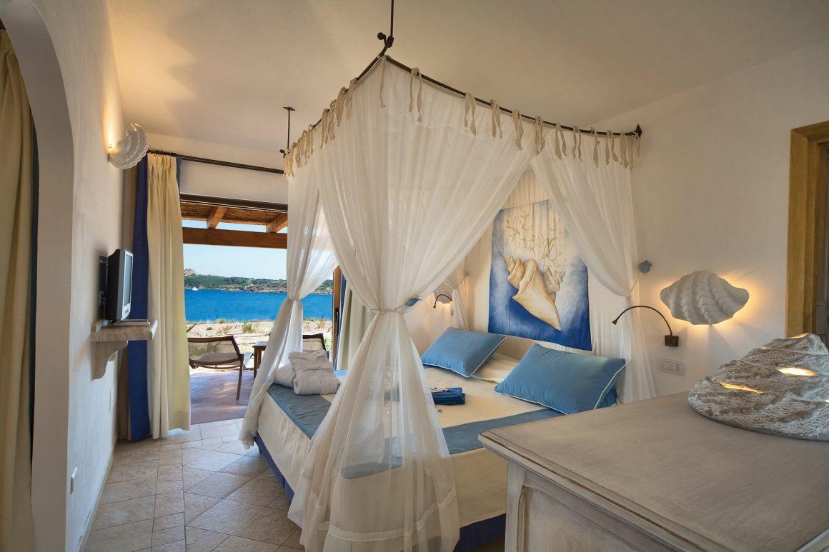 Romantic honeymoon Sardinia Italy, Romantic gateway in Torreruja hotel for honeymoon and anniversary
