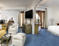 Cala di Volpe-Deluxe Suite Living Room