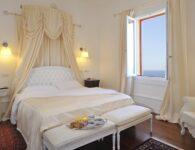 Las Tronas room 4
