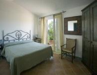 Ortensia's bedroom-001