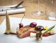 51. Dish - Petto d'anatra alle ciliegie e variazione di verdure di stagione scottate