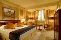 Luxury Hotel Bedroom Suite
