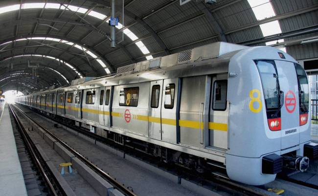 An Introduction To Delhi Metro Train Travel