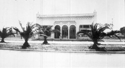 247-251 W. Venice Avenue: The Sanders Building