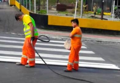 Nações e Interpraias recebem pintura da sinalização das vias