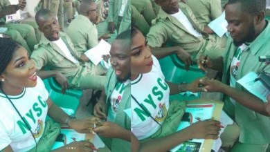 Photo of 2 male Corpers proposed To Their Corps Member Girlfriends During Their POP!! [See Photos]