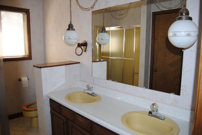 Wiring In A Bathroom Mirror Light