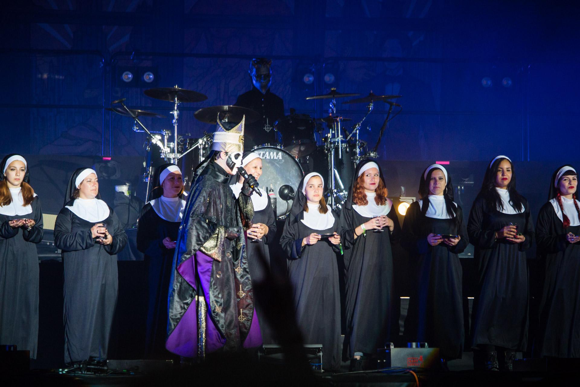 Ghost et les Sister of Sin au Hellfest le 19 juin 2016