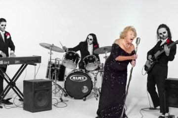 mamie 93 ans survivante de l'holocauste chanteuse de death metal en suisse