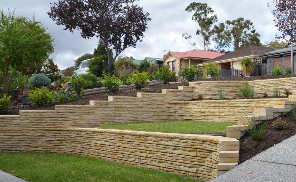 Flagstone Concrete Block Retaining Wall