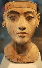 Amarna portrait of Tutankamun in the Altes Museum in Berlin.
