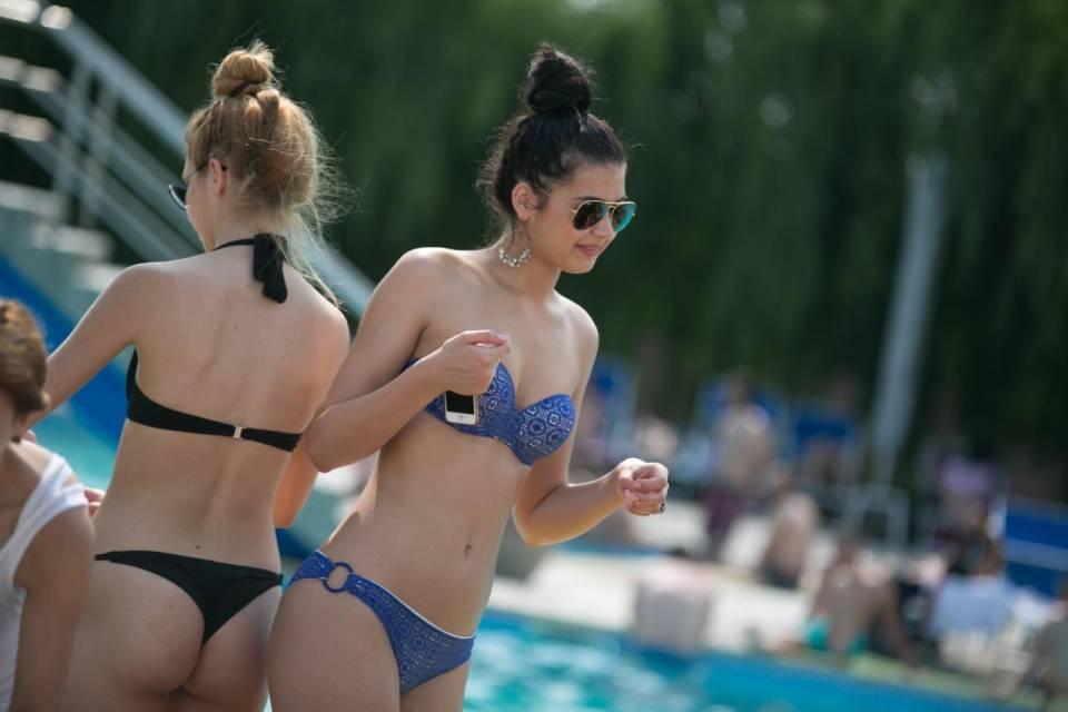 Foto spiaggia Heaven Pool Romania piscina piena di ragazze TOP