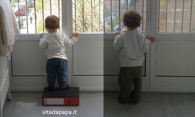 son tutti belli i papà del mondo affacciati alla finestra