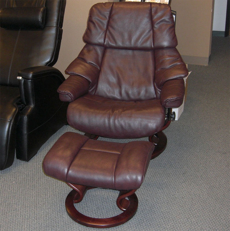 stressless chairs rustic farm table and royalin amarone leather by ekornes - recliners