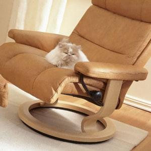 white leather computer chair sport brella ekornes stressless memphis savannah recliner lounger - ...