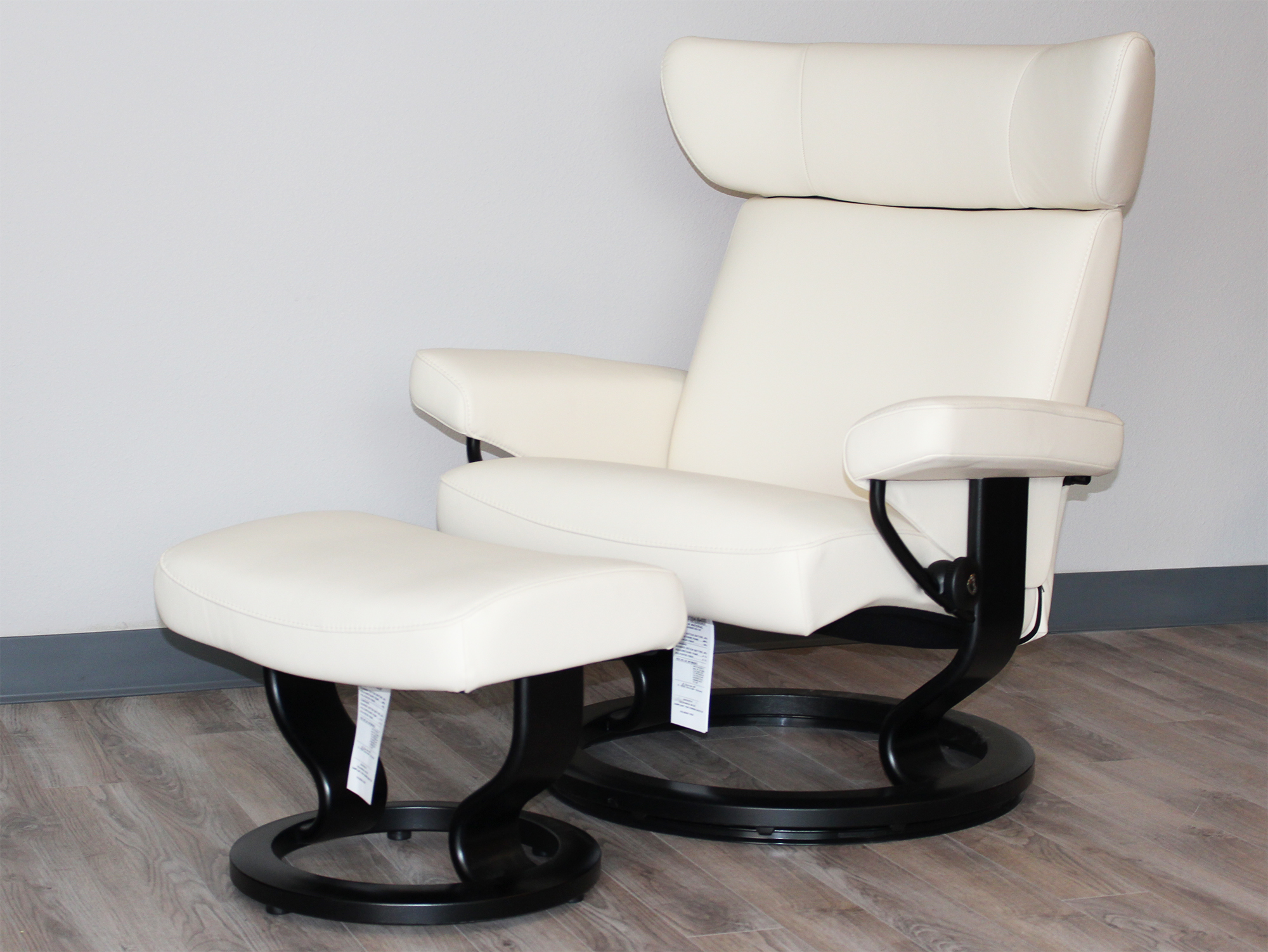 ekornes chair accessories lounge covers target stressless viva leather recliner and ottoman