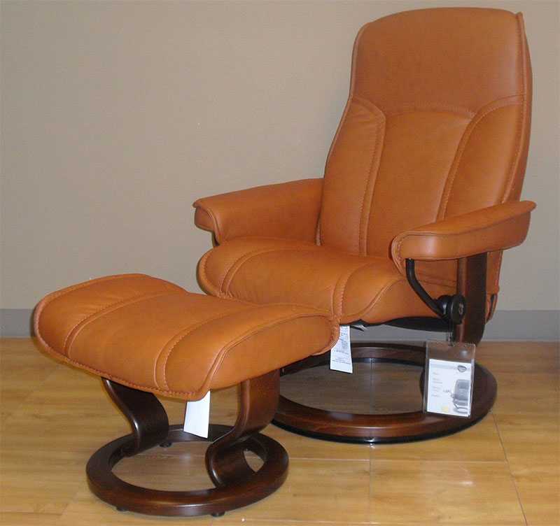ergonomic chair types target metal chairs ekornes stressless governor and senator recliner lounger ottoman
