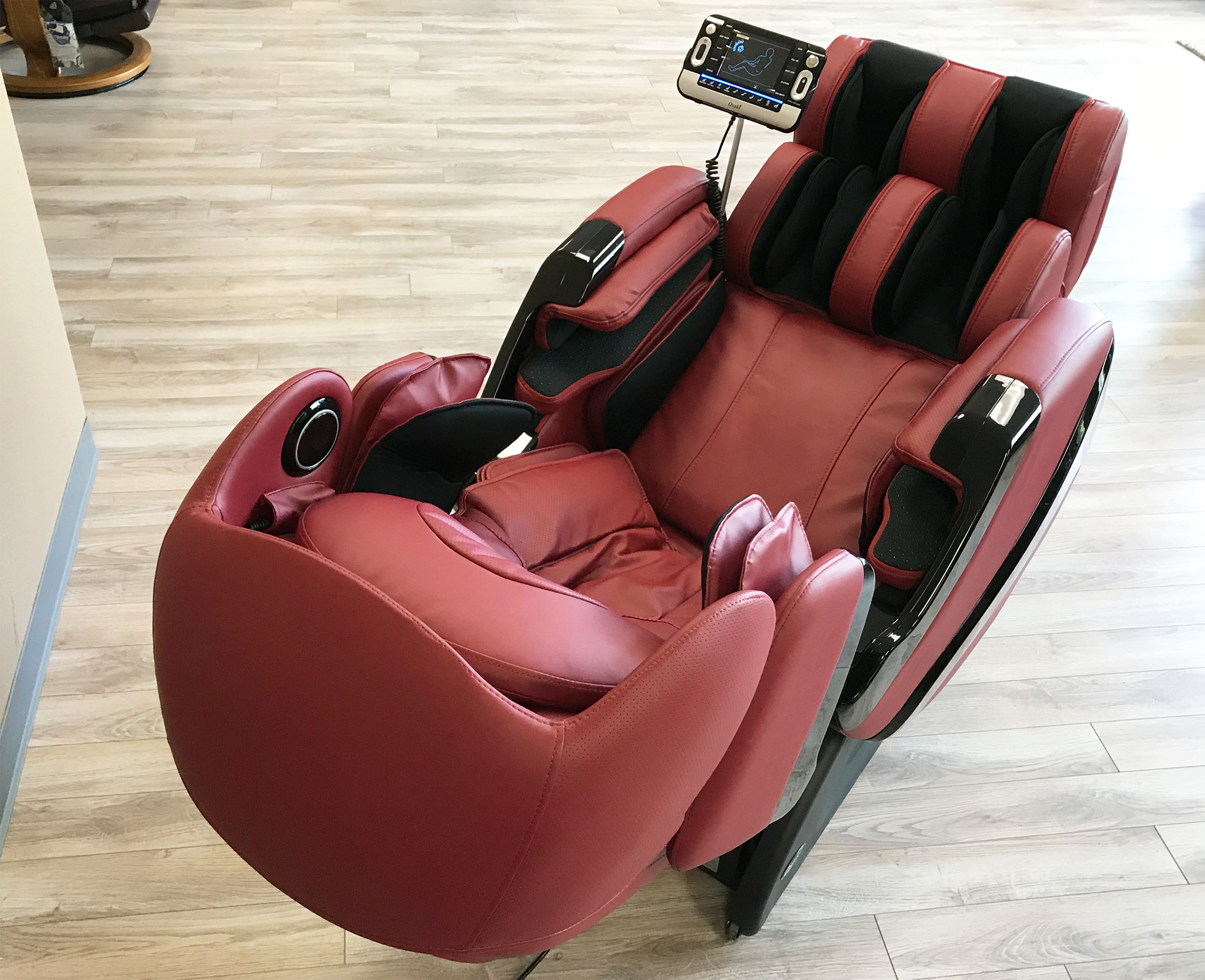 osaki os 3d pro cyber massage chair wheel price in pakistan zero gravity recliner and loungers for red