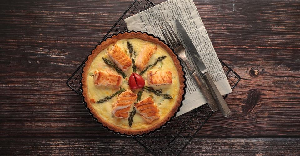 【低醣烘焙食譜】色香味俱全的法式鮭魚蘆筍鹹派!