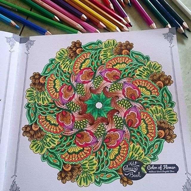 pastelli per colorare sugli album