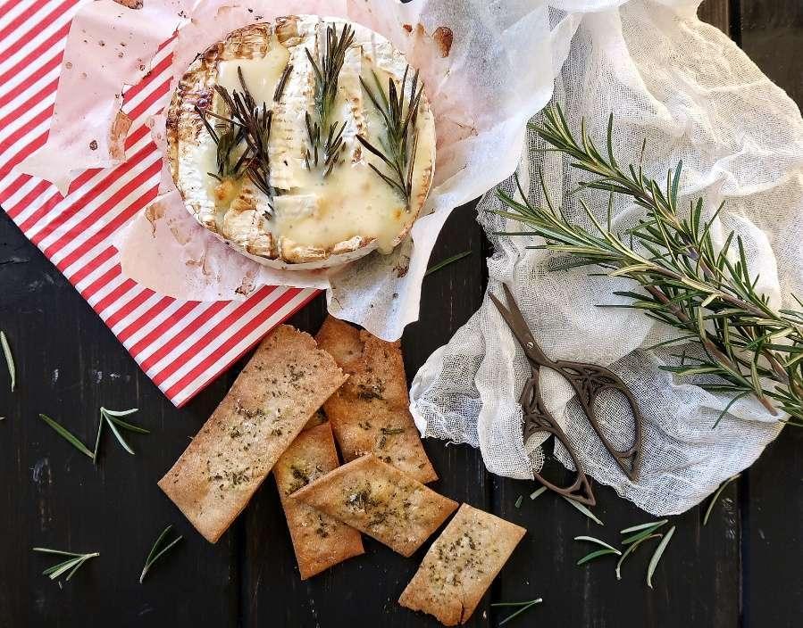 crackers alla farina di castagne e rosmarino