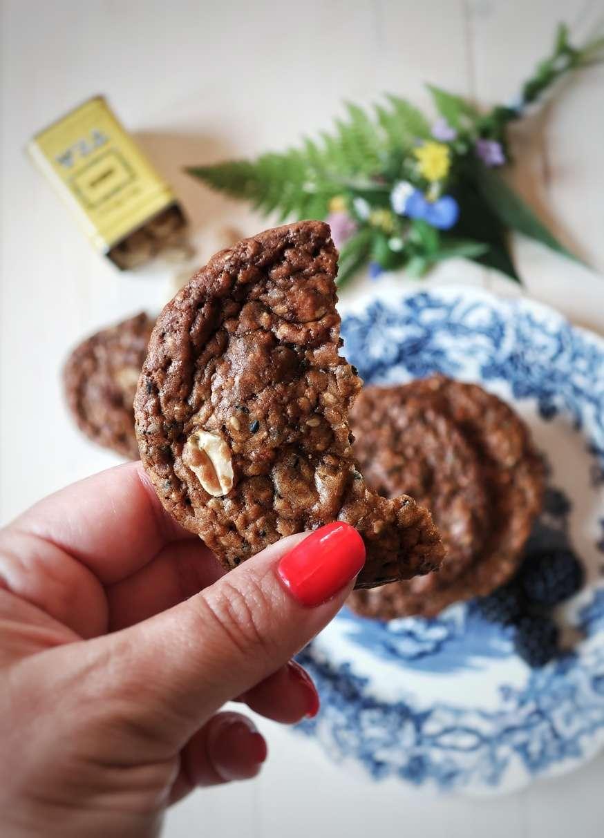 biscotti croccanti al sesamo e arachidi