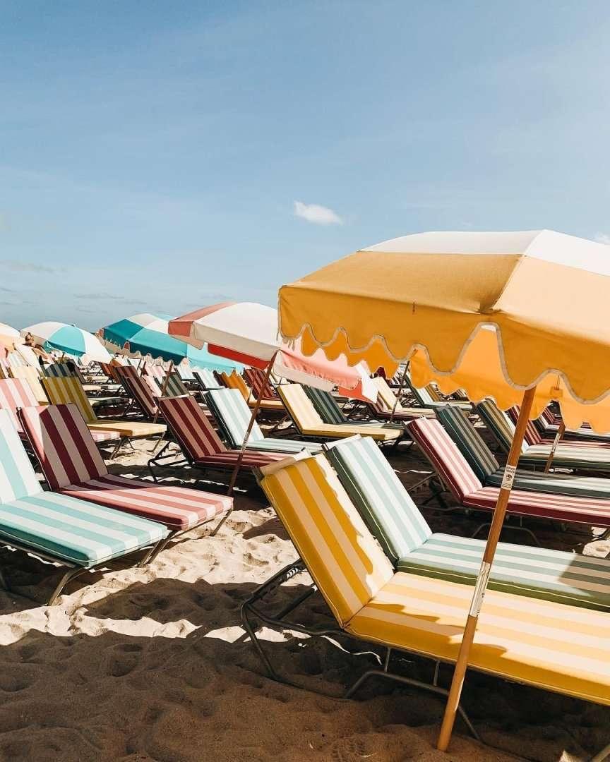 stile moda mare lettini da spiaggia