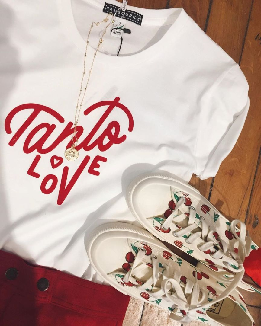 maglietta scritta tanto love