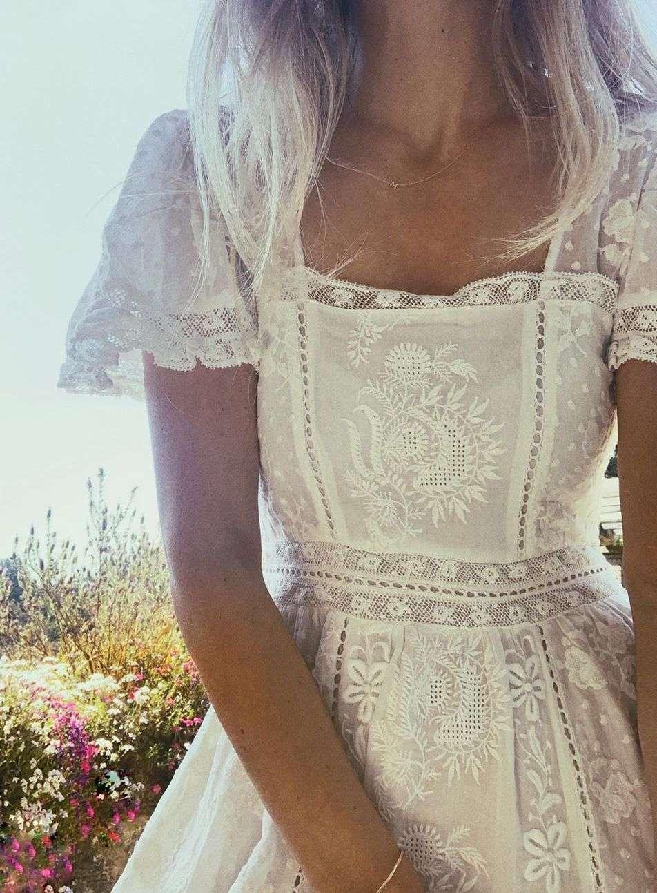 vestito con ricami