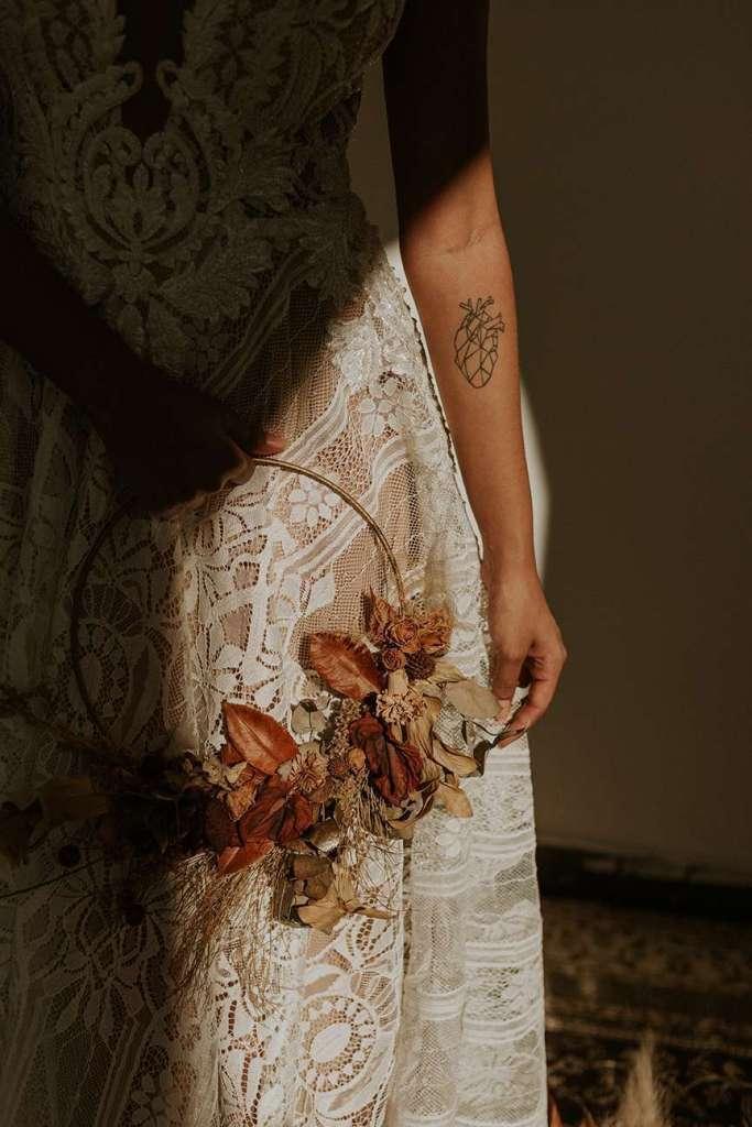 Coroncina con foglie autunnali