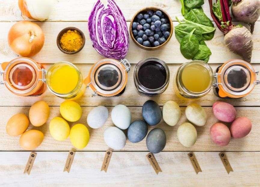 uova colorate per decorazioni di pasqua