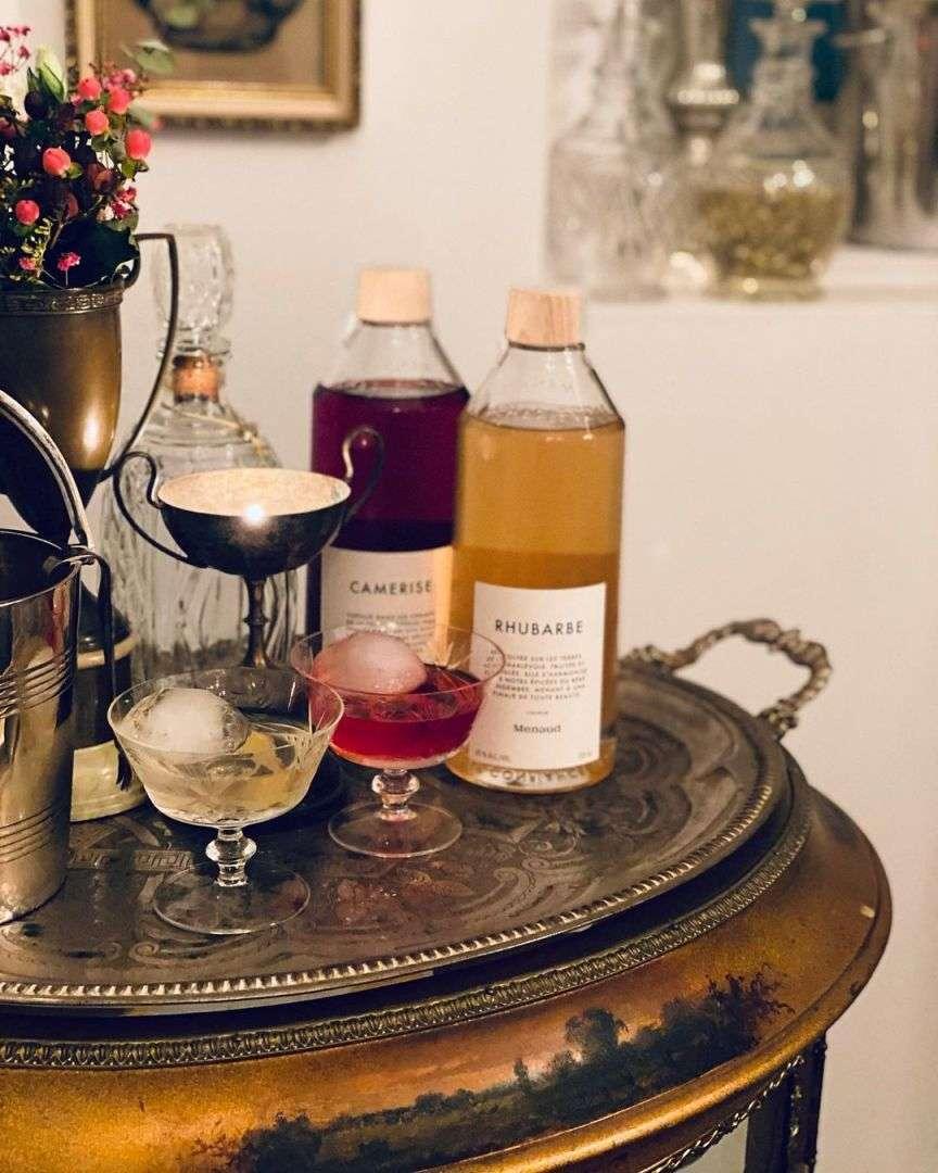 cocktail su vassoio