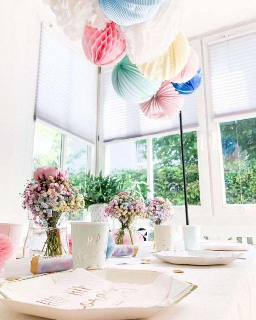 decorazione floreale in tavola