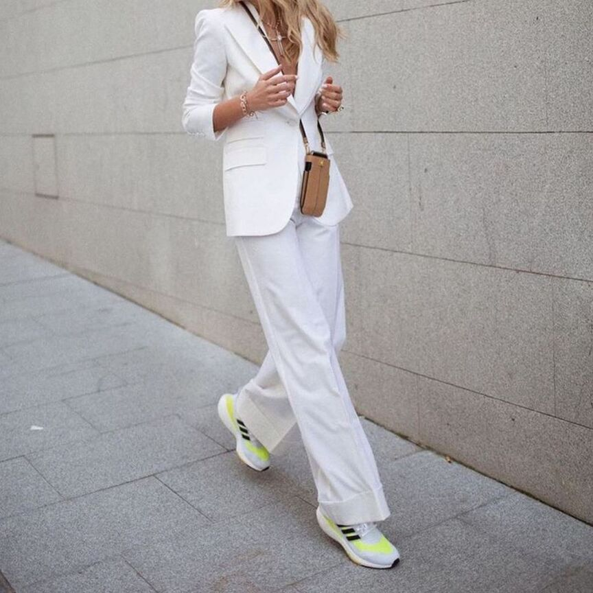idee outfit sneakers