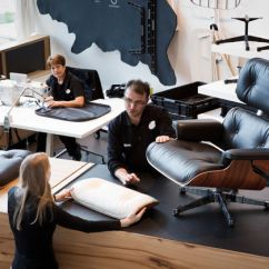 Vitra Lounge Chair Shower Malaysia Eames Has Produced The By Charles And Ray Using Same Manufacturing Methods Since 1950s In Consultation With Office