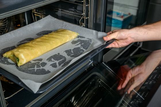 Placinta fina cu spanac, feta si file de pastrav
