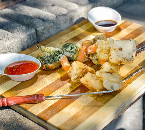 Frigarui tempura cu legume si biban