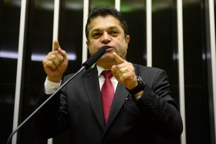 Deputado João Rodrigues é preso pela PF ao voltar dos EUA