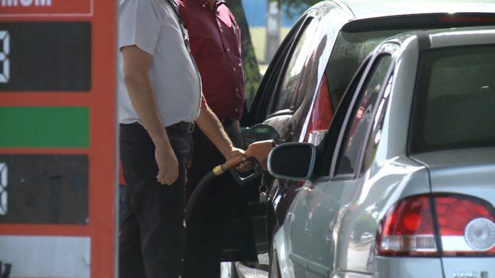 Menor preço da gasolina em João Pessoa custa R$ 3,87