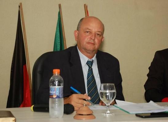 Presidente da Câmara de Monteiro parabeniza prefeita por entrega de academia da saúde