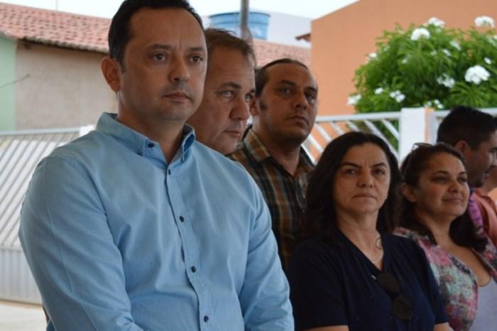 Prefeito Éden Duarte entrega obras de calçamentos em conjuntos habitacionais de Sumé