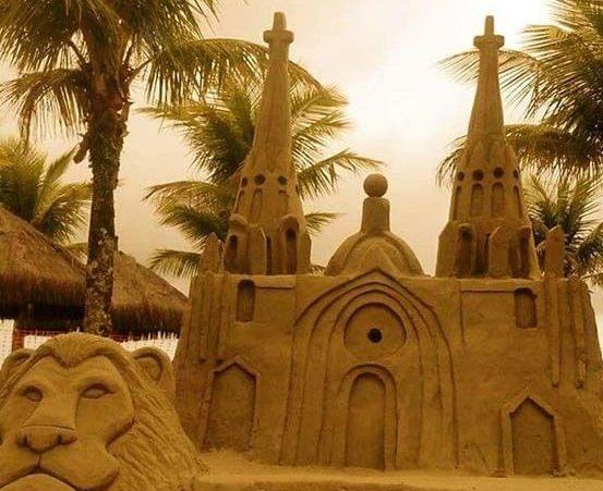 Conde tem exposição de irmãos com esculturas de areia
