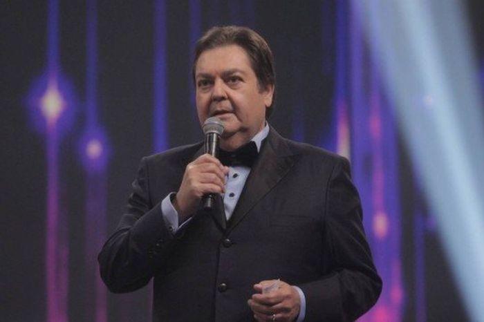 Fausto Silva é internado em São Paulo para fazer angioplastia