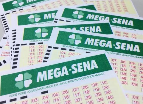 Duas apostas acertam seis dezenas da Mega e dividem R$ 200 mi