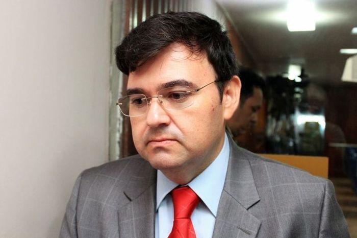 Deputado Raniery Paulino diz que foi reinfectado pelo coronavírus