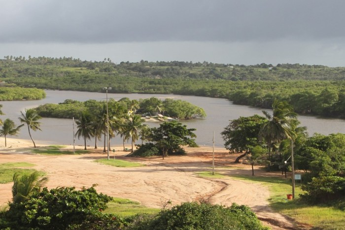 Cerca de 40 mil litros de soda cáustica vazam no Rio Gramame