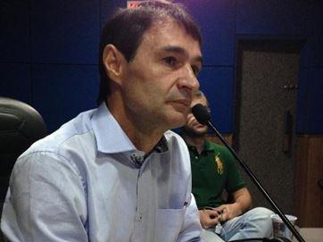 MOÍDOS DA REDAÇÃO: Romero Rodrigues deixa PSDB e deve comandar o PSD na Paraíba