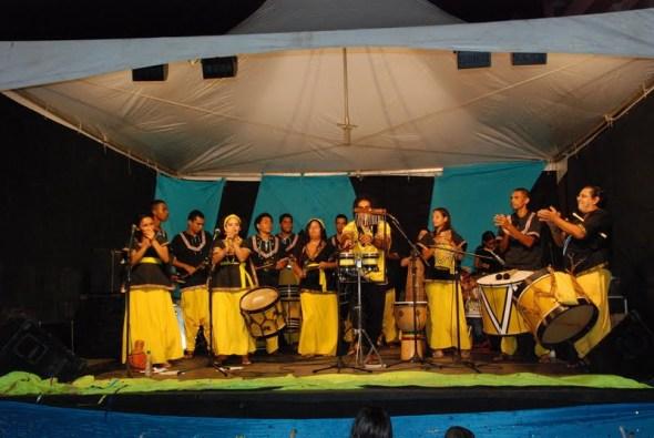 Grupo cultural Tambores do Forte anima Parque da Lagoa
