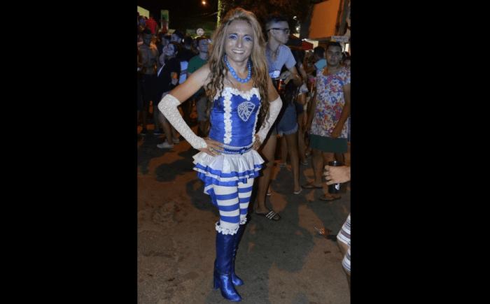 Vereador se veste de mulher e pede fim da homofobia no Carnaval